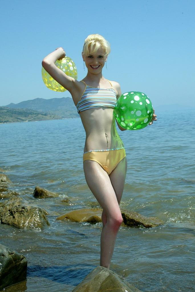 Ana Fey Nude 17